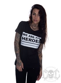 Bikergirl We Are All Heroes Tee, Svart